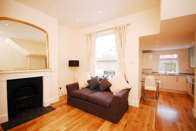 Askew Crescent, Shepherds Bush, London, W12 0LE